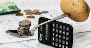 الإدارة الإقتصاد للميزانية عبر التحكم بالنقود