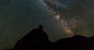 سماء صافية نجوم قمر