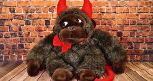 الجاسوس ابليس Devil