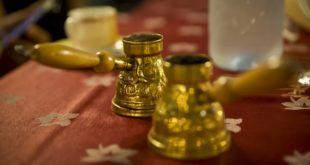 قهوة تركية في المقاهي العربية