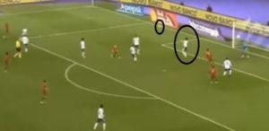 صورة لأربع أهداف مختلفة سكنت مرمى المنتخب توضح سوء التمركز الدفاعى فى العرضيات أو توقيت القفز الخاطئ