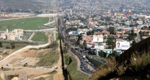 الأطفال المنفصلون عن والديهم: سياسة الهجرة الأمريكية تثير الغضب