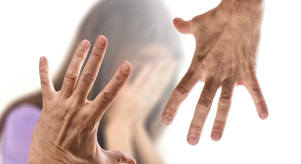 """همسات نفسية """"ضرب الزوجة"""" بقلم:عادل عبدالستار العيلة   ممرض بالطب النفسى    موقع مقال"""